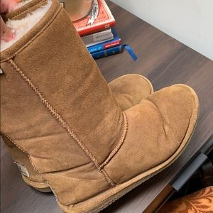 Bearpaw Brown Boots!